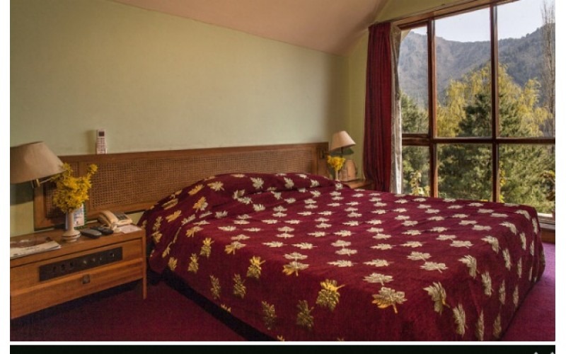 Centaur Lake View Hotel - Srinagar