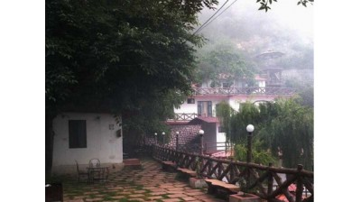 Classic Fall Resort - Mussoorie