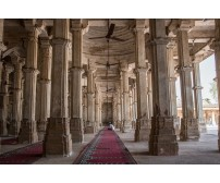 Ahmedabad and its incredible tourist spots, foods, shopping, and nightlife